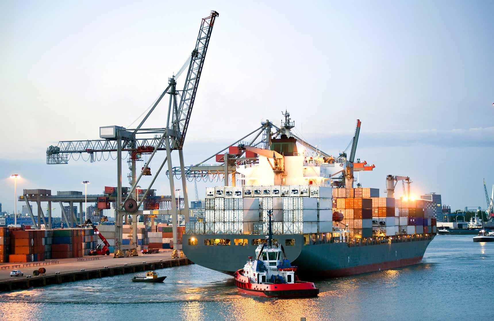Hàng hóa xuất khẩu thương mại cần qua những thủ tục hải quan gì?